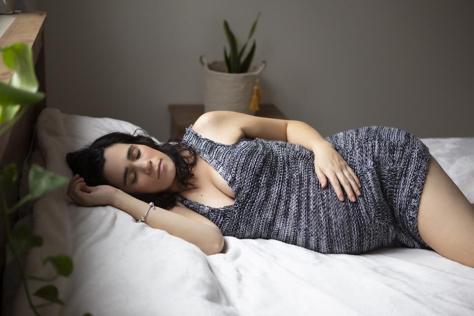 צילומי הריון אצלך בבית